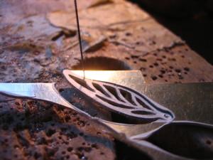 sawing1